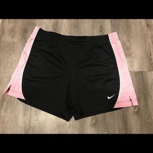 NIKE SIZE SMALL BRAND NEW ATHLETIC SHORTS